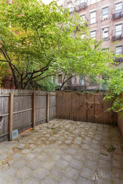 4 Bedrooms, Hell's Kitchen Rental in NYC for $6,900 - Photo 2