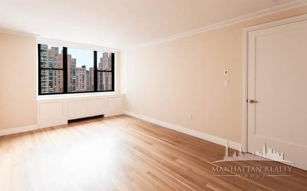 3 Bedrooms, Yorkville Rental in NYC for $6,100 - Photo 1
