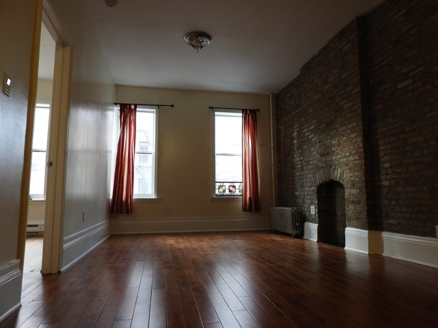 3 Bedrooms, Bedford-Stuyvesant Rental in NYC for $2,500 - Photo 2