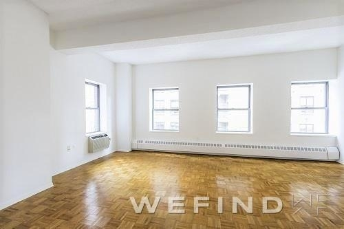 at West 34th Street - Photo 1