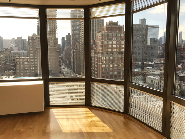 1 Bedroom, Yorkville Rental in NYC for $4,725 - Photo 2