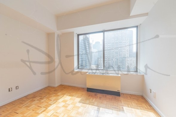 3 Bedrooms, Financial District Rental in NYC for $6,540 - Photo 2