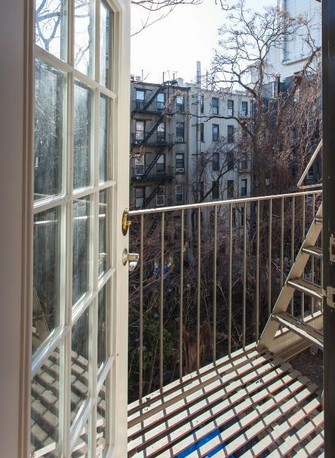 3 Bedrooms, East Village Rental in NYC for $5,812 - Photo 2