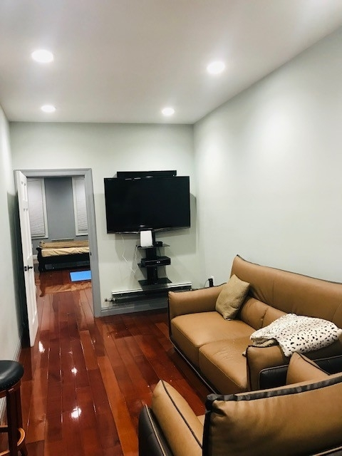 2 Bedrooms, Ridgewood Rental in NYC for $2,000 - Photo 2