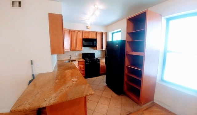 3 Bedrooms, Red Hook Rental in NYC for $2,600 - Photo 1