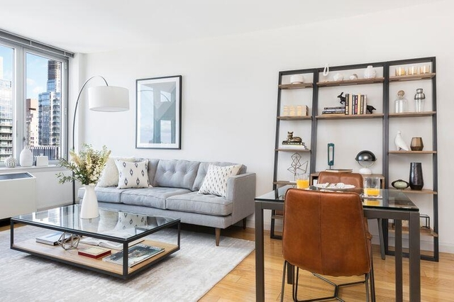 Studio, Hell's Kitchen Rental in NYC for $3,185 - Photo 1