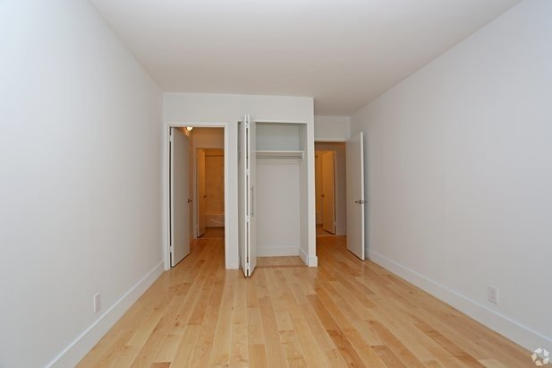 Studio, Hell's Kitchen Rental in NYC for $3,050 - Photo 2