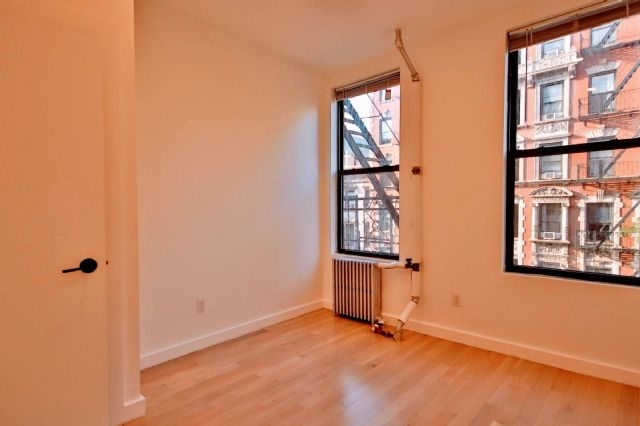 2 Bedrooms, East Village Rental in NYC for $3,025 - Photo 2