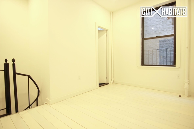 1 Bedroom, Little Italy Rental in NYC for $2,400 - Photo 2