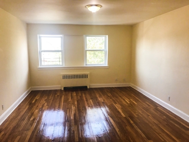 2 Bedrooms, Richmond Hill Rental in NYC for $1,900 - Photo 1