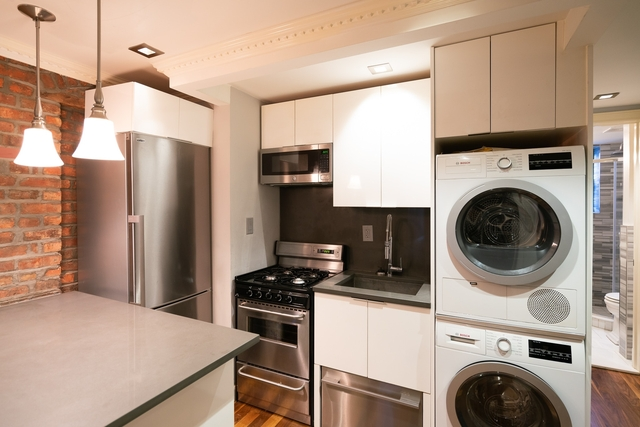 2 Bedrooms, Little Italy Rental in NYC for $4,738 - Photo 1