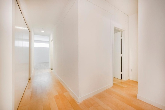 Studio, Financial District Rental in NYC for $2,798 - Photo 2