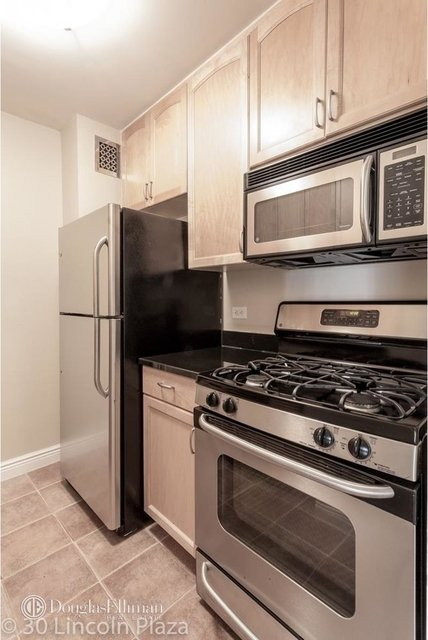 1 Bedroom, Lincoln Square Rental in NYC for $6,550 - Photo 2