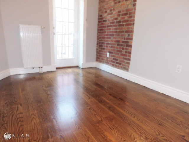 3 Bedrooms, East Village Rental in NYC for $6,032 - Photo 2