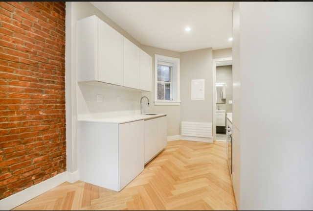 Studio, South Slope Rental in NYC for $2,500 - Photo 2
