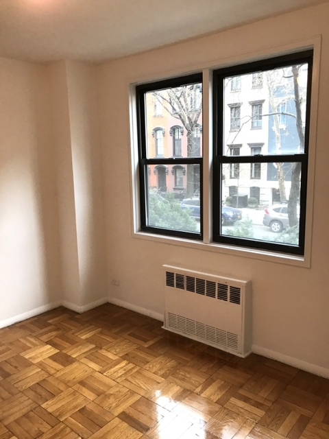 1 Bedroom, Gramercy Park Rental in NYC for $3,395 - Photo 2
