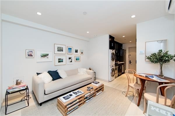 1 Bedroom, East Village Rental in NYC for $3,800 - Photo 1