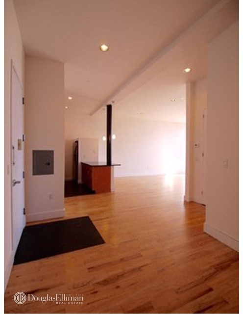 1 Bedroom, Williamsburg Rental in NYC for $3,675 - Photo 2