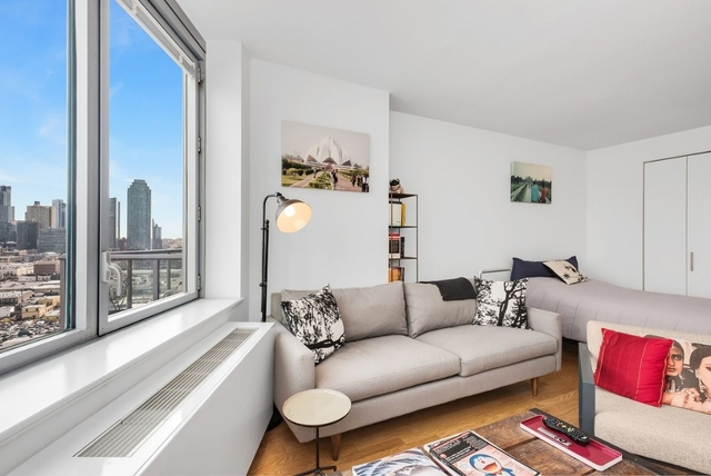 Studio, Hunters Point Rental in NYC for $2,399 - Photo 2