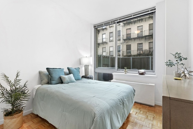 Studio, Hell's Kitchen Rental in NYC for $2,563 - Photo 2
