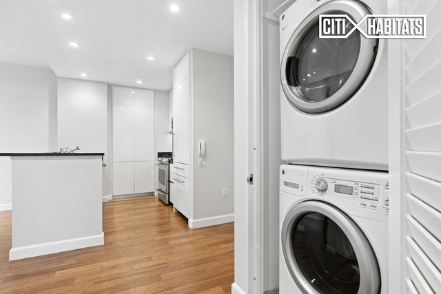 1 Bedroom, Lincoln Square Rental in NYC for $4,595 - Photo 2