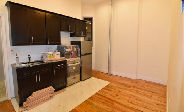 2BR at * Renovated, Hardwood Floors, New Kithcen, New Bathroom, Two Bedroom, Crown Heights, C Train, 2 Train, 3 Train, 4 Train, 5 Train, Franklin Avenue Shuttle *  - Photo 1