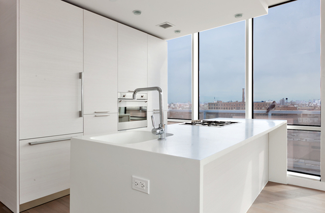 2 Bedrooms, Long Island City Rental in NYC for $4,275 - Photo 2