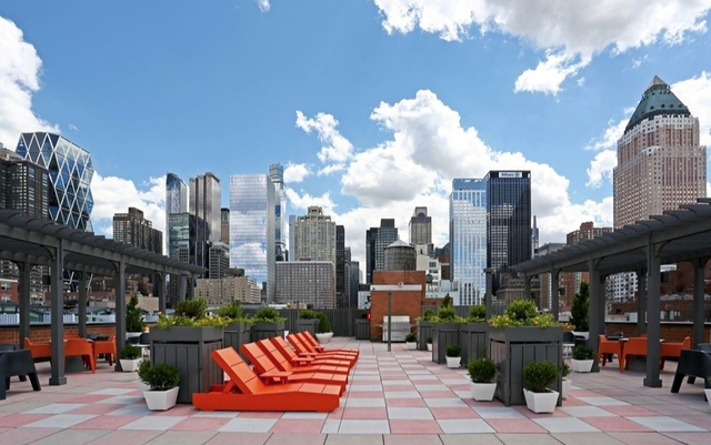 2 Bedrooms, Hell's Kitchen Rental in NYC for $6,155 - Photo 1
