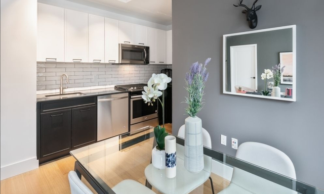 Studio, Financial District Rental in NYC for $3,585 - Photo 2