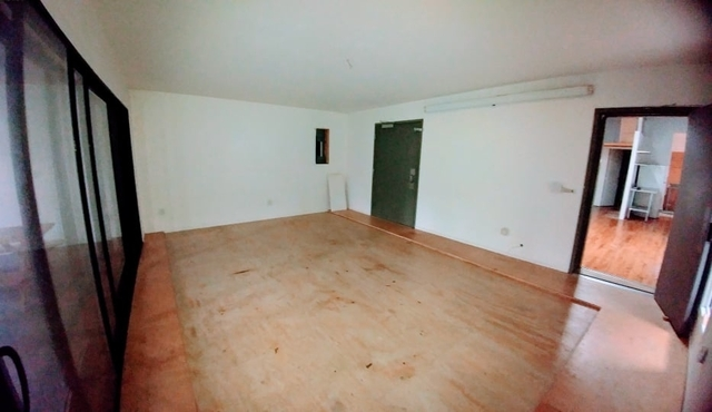 Loft, Red Hook Rental in NYC for $3,500 - Photo 2
