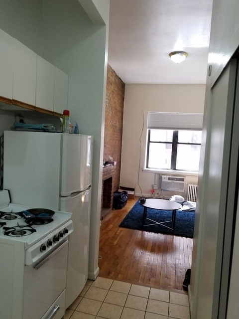 Studio, Yorkville Rental in NYC for $1,675 - Photo 2