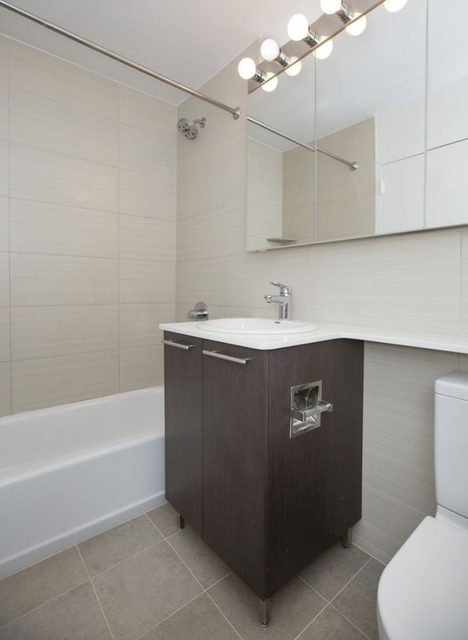 2 Bedrooms, Tribeca Rental in NYC for $5,095 - Photo 2