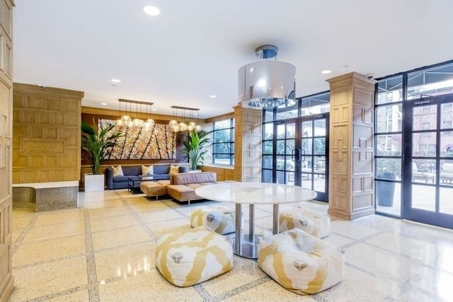 3 Bedrooms, Yorkville Rental in NYC for $6,829 - Photo 1