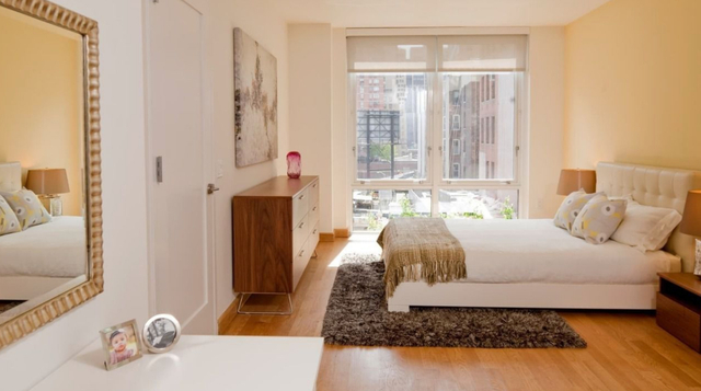 2 Bedrooms, Hell's Kitchen Rental in NYC for $6,470 - Photo 1
