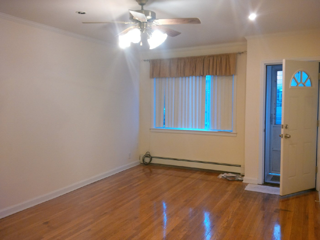 3 Bedrooms, Manhattan Terrace Rental in NYC for $2,500 - Photo 1