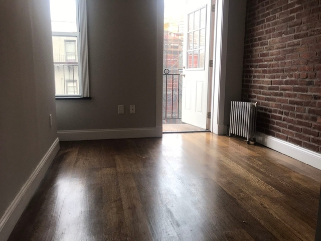3 Bedrooms, Hell's Kitchen Rental in NYC for $4,440 - Photo 2