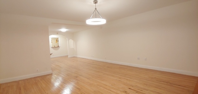 2 Bedrooms, North Slope Rental in NYC for $3,200 - Photo 2