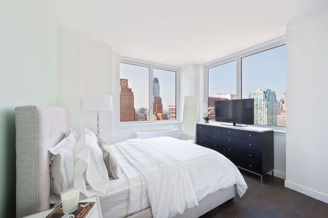 2 Bedrooms, Vinegar Hill Rental in NYC for $4,695 - Photo 2