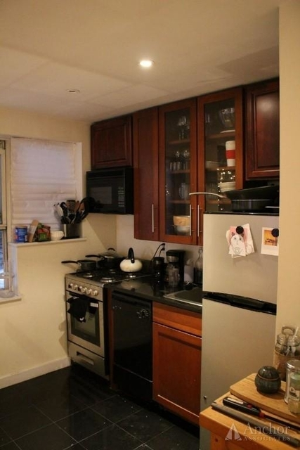 3 Bedrooms, Little Italy Rental in NYC for $4,735 - Photo 2