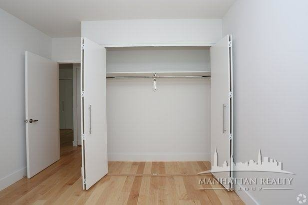 2 Bedrooms, Hell's Kitchen Rental in NYC for $3,025 - Photo 1