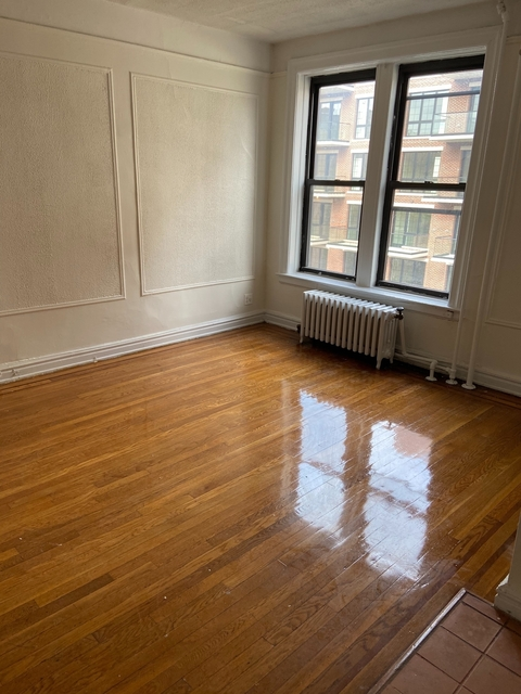 1 Bedroom, Astoria Rental in NYC for $1,960 - Photo 1