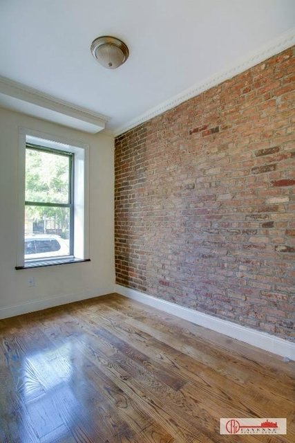 3 Bedrooms, Central Park Rental in NYC for $3,000 - Photo 1