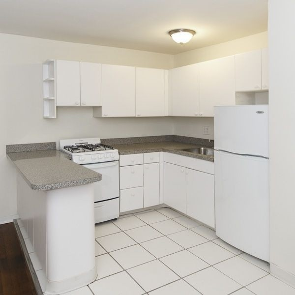 1 Bedroom, Sutton Place Rental in NYC for $2,995 - Photo 2