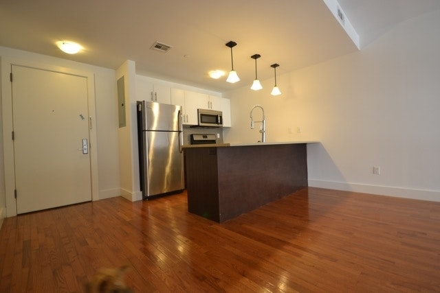 1 Bedroom, East Williamsburg Rental in NYC for $3,025 - Photo 2