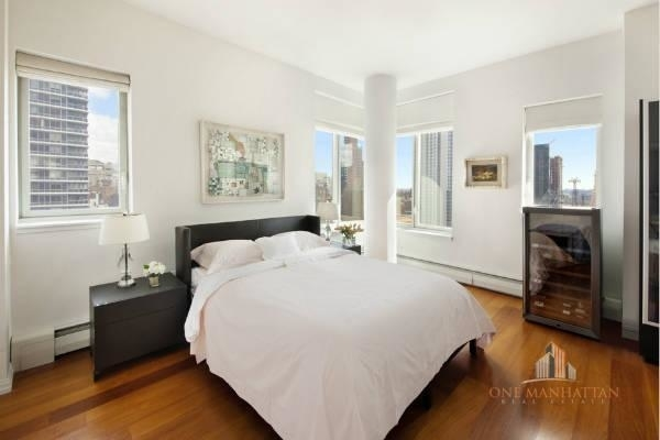 3 Bedrooms, Central Park Rental in NYC for $10,000 - Photo 2