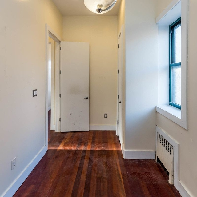 3 Bedrooms, East Williamsburg Rental in NYC for $2,595 - Photo 2