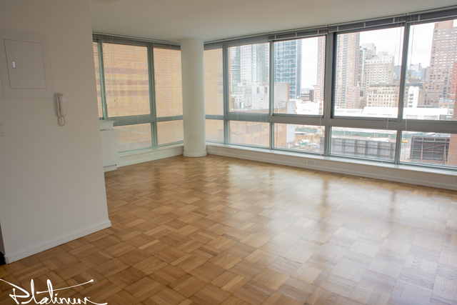 2 Bedrooms, Hell's Kitchen Rental in NYC for $4,629 - Photo 1