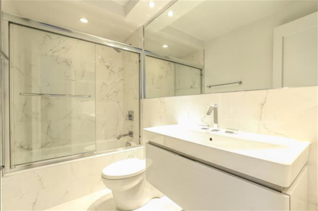 2 Bedrooms, Hell's Kitchen Rental in NYC for $5,500 - Photo 2
