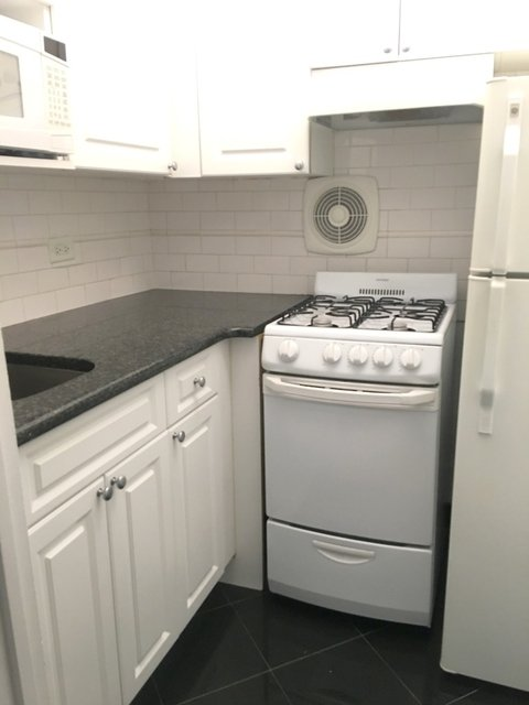 Studio, Murray Hill Rental in NYC for $2,480 - Photo 2