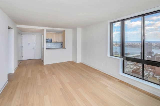 2 Bedrooms, Hell's Kitchen Rental in NYC for $6,875 - Photo 2